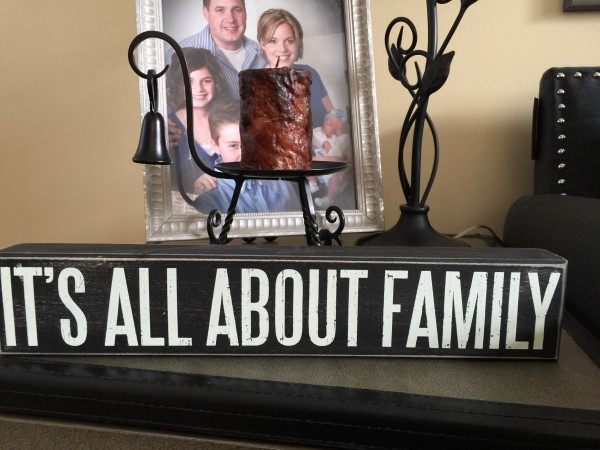 I saw this little sign in a store right after Carina decided to take this residency. It has a double meaning for us... She chose Family Medicine because her family is more important than her career.